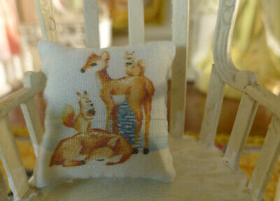 1:12 Scale Dollhouse Miniature Pillow Cute Reindeer Family 4
