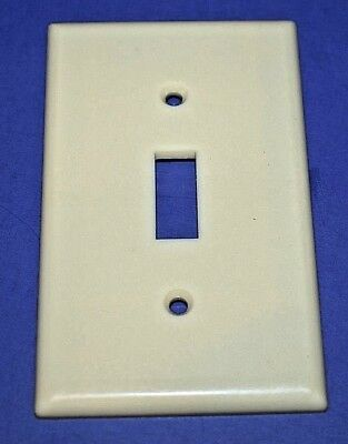 4 Vintage Single Gang Ivory Bakelite Leviton Smooth Switch Plate Outlet Cover