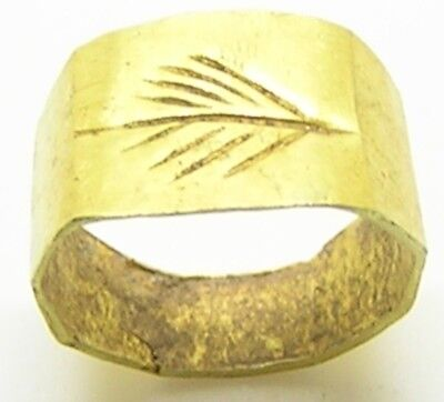 1st - 3rd century A.D. Ancient Roman Gold Finger Ring Victory Palm 8