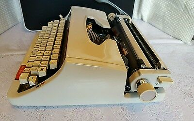 Brother Deluxe 1510 Typewriter In Case 5