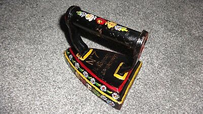 Beautiful Traditional British Hand Painted Barge/Canal Ware Metal Ladies Iron! 2