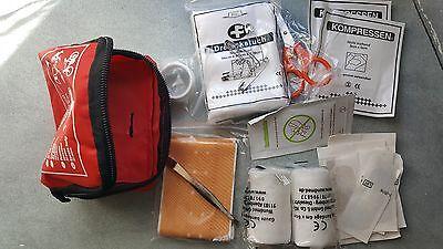 trousse premiers secours 32 pièces , pansements, compresses, ciseau, sparadrap