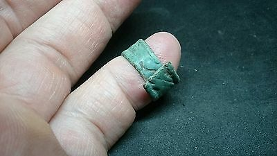 Stunning design Roman taper type bronze ring with lovely patina, Uncleaned. L365 2