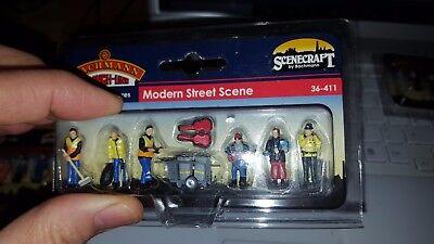 OO gauge Bachmann Scenecraft People Men Women Children workers figures scenery 4