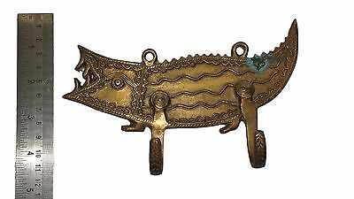 An Old unusual Vintage Unique CROCODILE SHAPE COAT HOOK from India Made of Brass 2