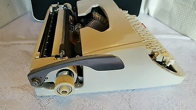 Brother Deluxe 1510 Typewriter In Case 6