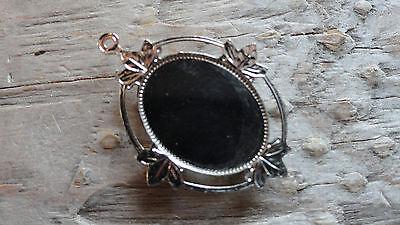 0486 pkg 3 Pendant Queen Antique Rhodium Silver Plated 13x18mm