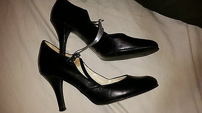 Ladies/girls Black Heeled Shoes Made In Italy Size 36 Uk 3 2