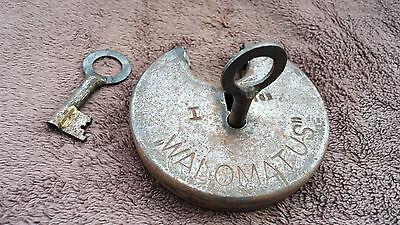 Vintage Large Padlock ''Walomatus'' with two keys, working order