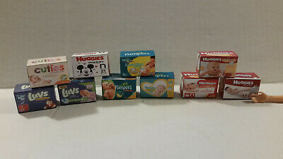 Barbie Doll 1:6 Miniature Box of Diapers and Mini Bottles For Kelly/'s Baby