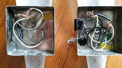 Vintage S/2 MCM Mid-Century Markstone Manufacturing Wall Sconces Torch Glass 9