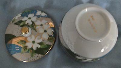 Japanese Arita Gold Gilt & White Flower Lidded Bowl 5