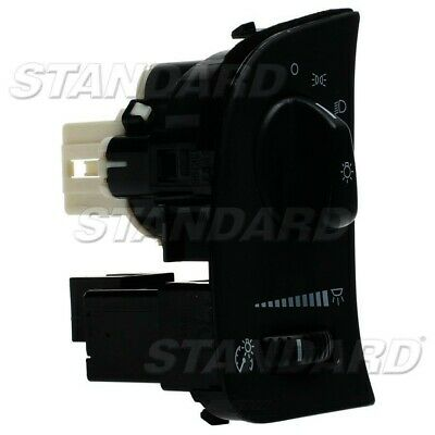 Headlight Switch fits 2003-2007 Ford Crown Victoria  STANDARD MOTOR PRODUCTS 2