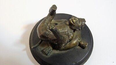 Antigua Escultura que Representa un Pequeño Mono Caricatura Bronce 7