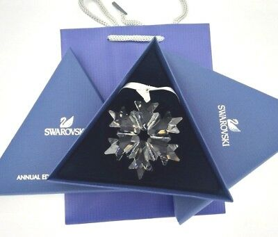 2018 Swarovski Crystal Snowflake ANNUAL EDITION LARGE CHRISTMAS ORNAMENT 5301575 2