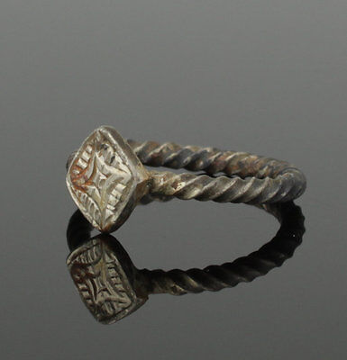 Beautiful Ancient Medieval Silver Ring - Circa 15Th Century Ad 2