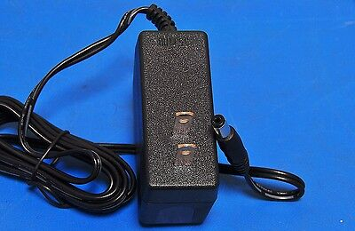 NEW DVE DSA-15P-05-US     5V 2.5A Power Supply Charger AC 3