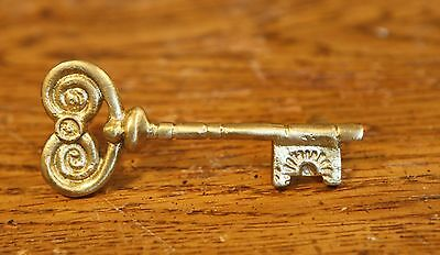 25 Solid Brass Vintage Skeleton Key Cabinet Pull Antique Kitchen Dresser Ornate 2