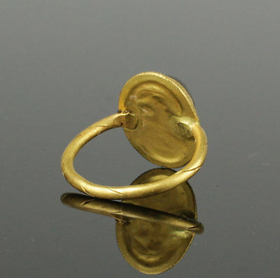 Ancient Roman Gold Intaglio Ring With Gladiator And Shield 2Nd Ad 3