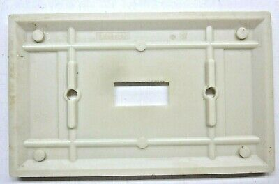 Leviton Switch Wall Plate Cover 2 Vertical Lines Beige Art Deco Bakelite Vintage 3