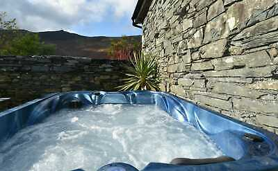 New Year 2020 - 21 Holiday Cottage Four Poster Bed Hot Tub Lake District Cumbria 3