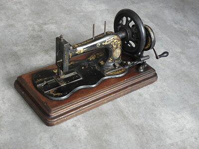 ANTIQUE SEWING MACHINE singer old Hand Crank TOOLS vintage century iron 4