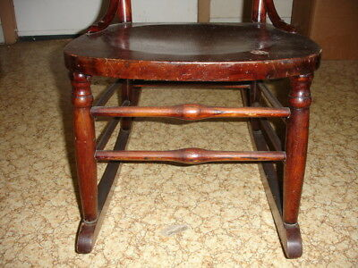 Beautiful Antique Wooden Rocking Chair 4