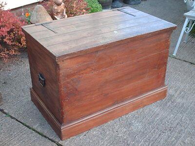 Large Antique  Pine  Chest / Bedding  Box 4