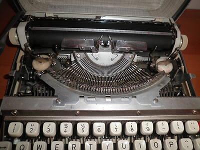 Maquina De Escribir Vintage Brother De Luxe 1350 Automatic Repeat Spacer  Funda 3