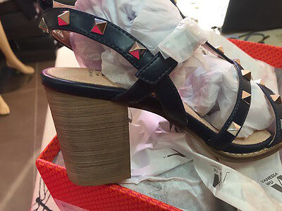 a821169413aba3 ... VANESSA WU été 2017 : sandales cloutées à talon neuves, étiquetées  valeur 57€ 2