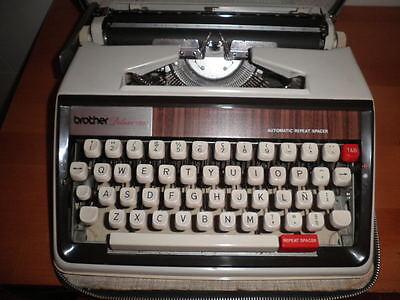 Maquina De Escribir Vintage Brother De Luxe 1350 Automatic Repeat Spacer  Funda 4