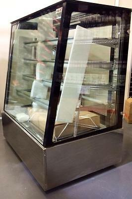 FED SLP870C Venezia 2000mm Advanced Refrigerated Chilled Cake Display Cabinet 2