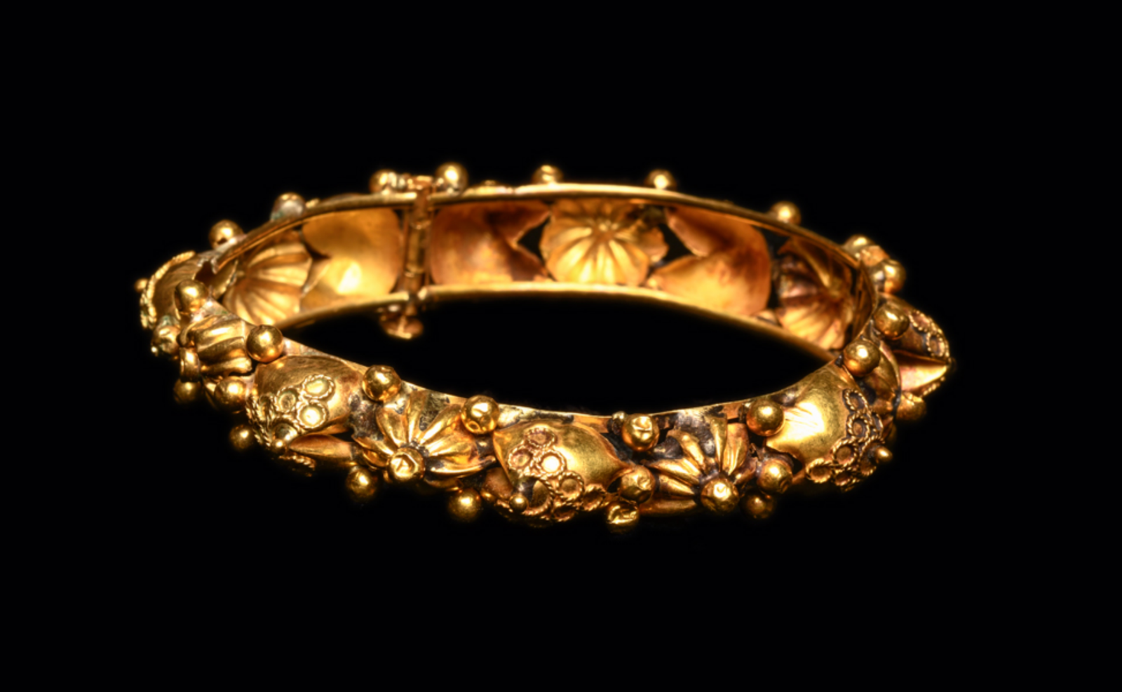 Ancient Byzantine Gold Bracelet Ca. 7th-12th century A.D. Medieval Jewelry 4