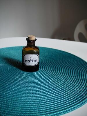 Apothekerflasche, Form selten, Oleum Menth. Pip. rund 4 Kanten, alt, emailliert 2