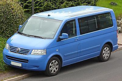 Für VW T5 Caravelle paßgenaue Sitzbezüge ECO-LINE Hier mit blauer Lamelle