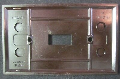 Hemco USA Switch Wall Plate Cover Fine Lines Ribs Brown Bakelite Antique 7