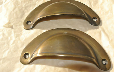 2 shell shape pulls handles heavy solid brass vintage aged style drawer 10 cm B 3