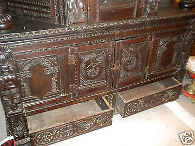 18th Century English Chest of Drawers 6