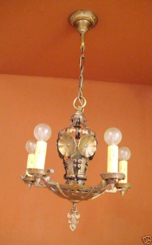 Vintage Lighting 1920s quality Halcolite chandelier 8