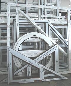 Fenster kunststofffenster giebelfenster 5 kammer pvc for Kunststofffenster rund