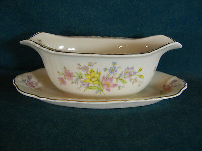 Syracuse Briarcliff Gravy Boat on Attached Under Plate
