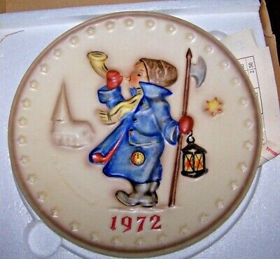 HUMMEL 1972 Plate - Bas Relief - #265 - Boxed!