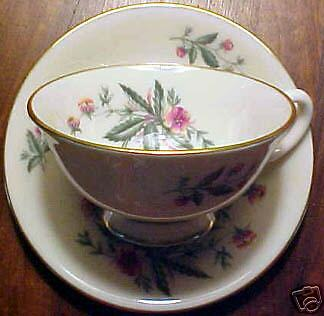 Lenox COUNTRY GARDEN W302 Cup and Saucer