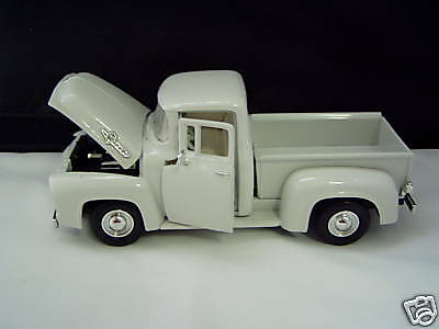 1956 Ford White Pick Up 1:24 scale