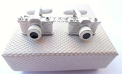 """Photographer's gift-wedding """"CAMERA"""" Satin Silver METAL Cuff Links in A GIFT BOX"""
