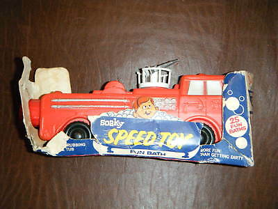 RED FIRE TRUCK ENGINE COMPLETE SOAKY VERY RARE WRAPPER!