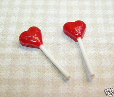 """Miniature """"Lola"""" Pair of Red Heart Suckers: DOLLHOUSE Valentine's Day 1/12"""