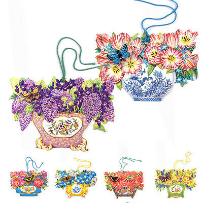 150 Die-cut Gift Tags with Flowers in Antique Vases and a 3D Butterfly ET0031