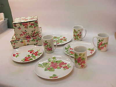 VINTAGE SEYMOUR MANN DESSERT SETS~STRAWBERRY RASPBERRY