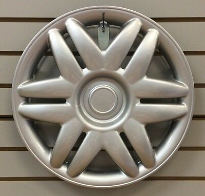 """NEW 2000 2001 TOYOTA CAMRY 15"""" Silver Hubcap Wheelcover"""